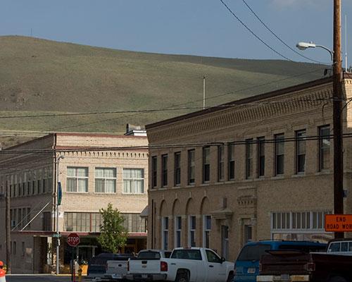 Western-wear-and-goods-in-Okanogan,-Washington